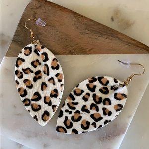 Jewelry - BOGO! Cream Leopard Teardrop Earrrings